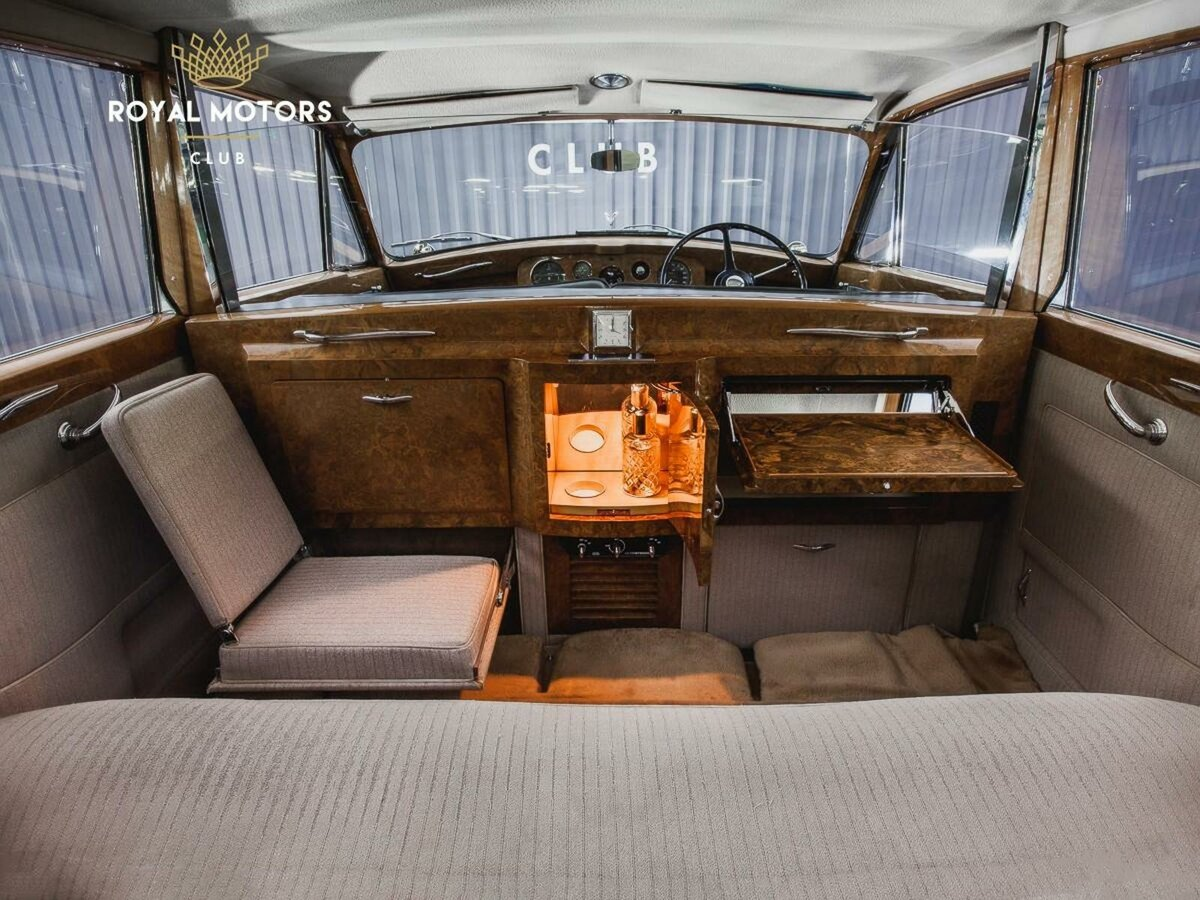 1965 Rolls-Royce Phantom  V, синий - вид 8
