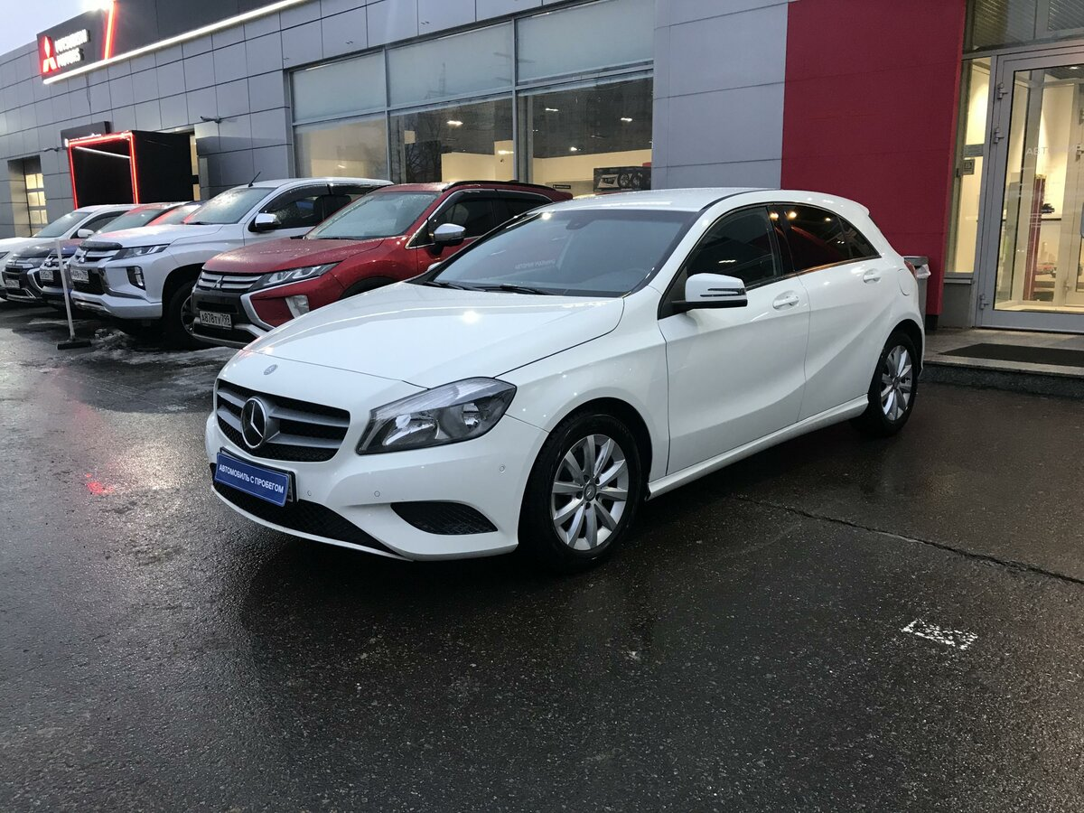 2013 Mercedes-Benz A-Класс  III (W176) 180, белый