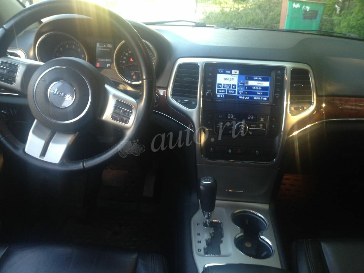 2011 Jeep Grand Cherokee  IV (WK2), серый - вид 7