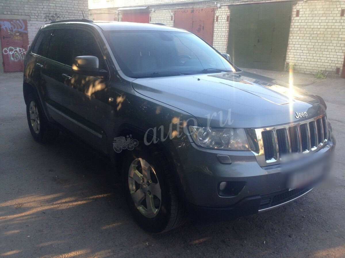 2011 Jeep Grand Cherokee  IV (WK2), серый