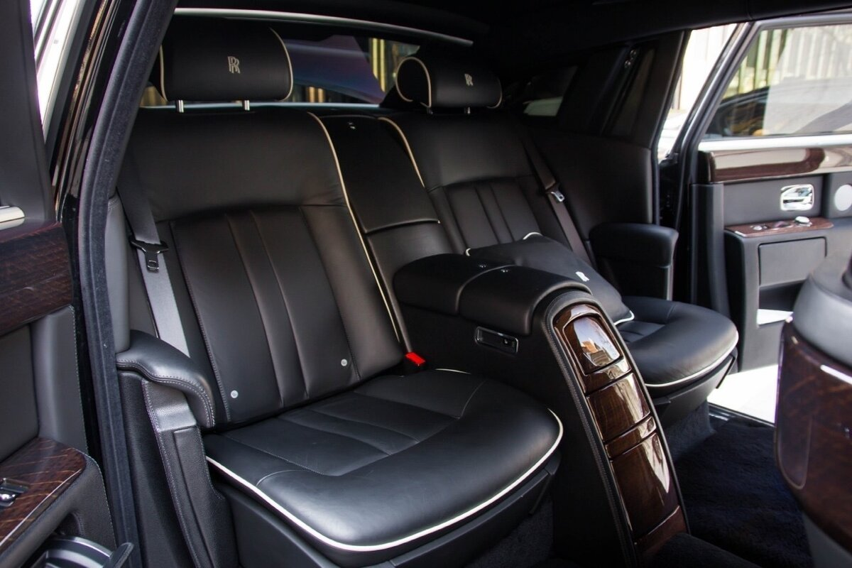 2014 Rolls-Royce Phantom Long VII Рестайлинг (Series II) Extended Wheelbase, чёрный, 22500000 рублей - вид 6
