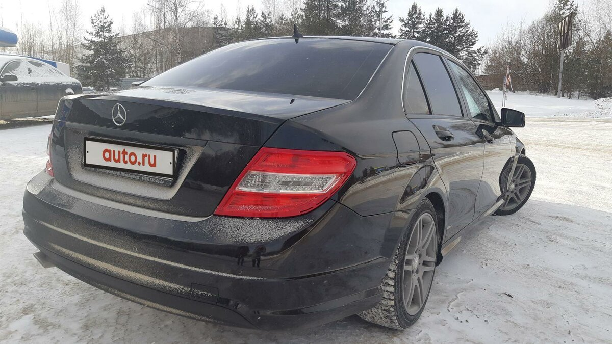 2011 Mercedes-Benz C-Класс  III (W204) 180 BlueEFFICIENCY, чёрный - вид 3
