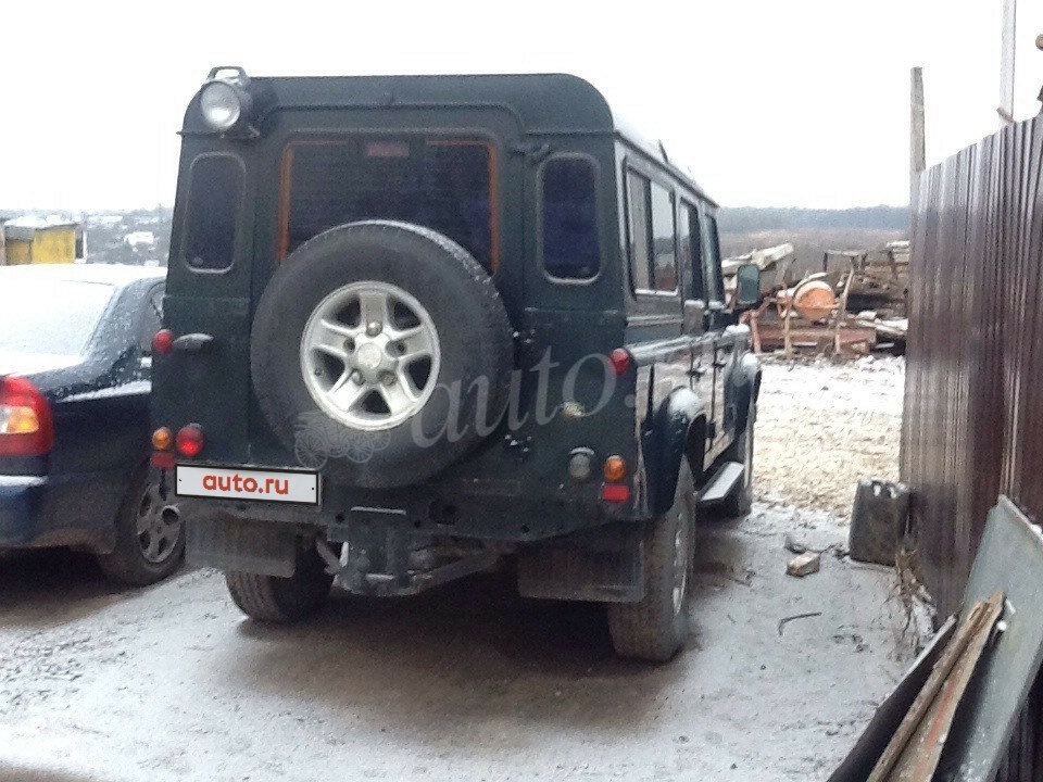2002 Land Rover Defender  I 110, зелёный - вид 2