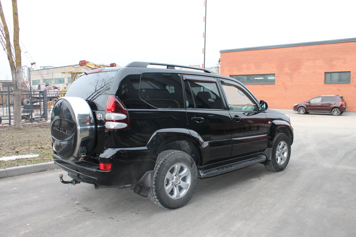 2005 Toyota Land Cruiser Prado  120 Series 5-speed, чёрный - вид 3