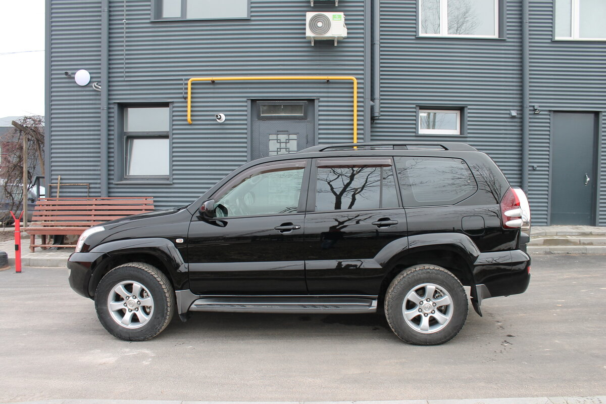 2005 Toyota Land Cruiser Prado  120 Series 5-speed, чёрный - вид 6