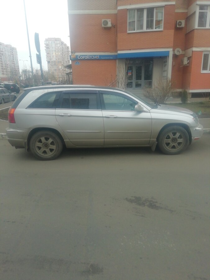 2005 Chrysler Pacifica  CS, серебристый